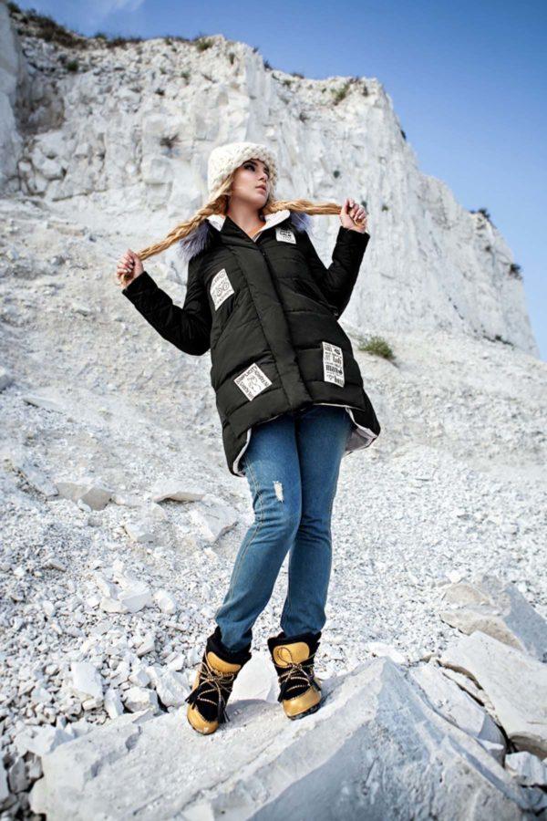 Зимняя куртка ЮТА енот в цвет черный