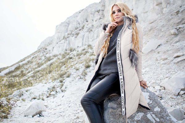 Зимнее пальто стеганое Монтана чернобурка пломбир